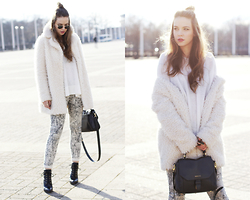 Dominique B. - Roeckl Bag, Pepe Jeans London Fake Fur Jacket - Bright up your day