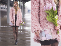 Julia F. - Dresslink Fluffy Coat, Stradivarius Bag, Dresslink Tights - Pink dreams