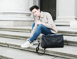 Frank Lin - H&M Beige Jacket, 7 For All Mankind Blue Jeans, Aigner Bag, Puma Sneakers - A LITTLE BIT OF SPRING