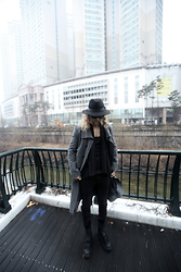 INWON LEE - Byther Grey Fedora Hat, Byther Grey Color Jacket - Modern Classic Classy Looking Neat Fashion