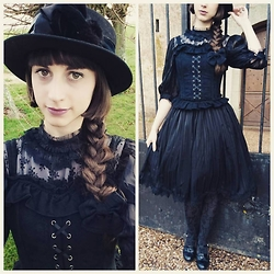 Yumi E.G. - Vintage Hat, Amastacia Bustier, Akane & Alois Chiffon And Lace Onepiece, Trasparenze Tights - Black lace