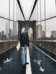 Richy Koll - Dr. Martens Oxfords, Nike Socks, H&M Jeans, Tommy Hilfiger Sweatshirt, Tigha Leatherjacket - Brooklyn bridge.