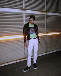 HEYLAMABOY BillyB - Converse Sneakers, Levi's® White Jeans, Supreme Tee, Babylon Cap - I'm back