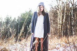 Ingrid Wenell - Maria Nilsdotter Beanie Hat, H&M Lace Sweater, H&M Lace Skirt, Vero Moda Coat - Spring is coming