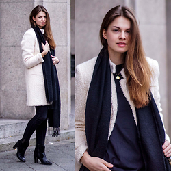 Jacky - Selected Femme Coat, Topshop Scarf, Gina Tricot Jeans - Angora Coat