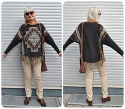 Reni E. - C&A Ethno Sweater - Ethno sweater with fringes