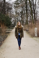 Kasia Brzozowska - Tory Burch Bag, Orsay Jeans, H&M Shirt, Zara Coat - Winter mood