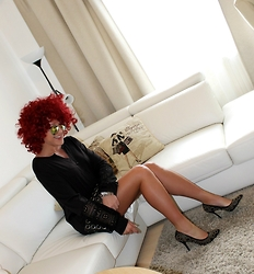 Gosia Borychowska - Dresslink Dress, Sammydress Wig, Buffalo London High Heels - New hairstyle.