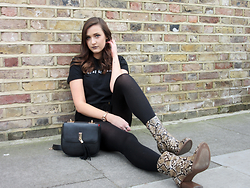 Lauren Rose Bell - Asos Black Slogan Tee, Mango Snakeskin Boots, Topshop Saddle Bag - Best In Black