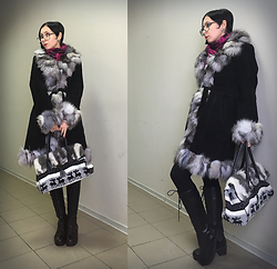 Jane V.I. - Crimson Scarf, Winter Boots, Bag With Fur And Deer Print, Warm Fur Coat - End of the winter