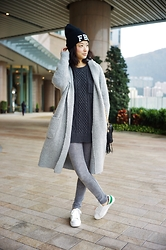 Jenn Su - Lawry's Fram Knit Jacket, Beams Sweater, Chanel Bag - Fifty Shades of Grey