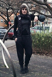 INNER RIOT † - H&M Fake Leather Dress, H&M Star Constellations Scarf, H&M Used Look Jogger, Underground Creepers - Relaxed Start