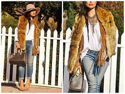 Nekane Smith - Louis Vuitton Bag, Prada Shoes, Zara Vest - Necklace, Fringed & Fur