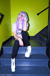 Alyssa Claire - Rainbow Bagel, Express Ripped Jeans, Yru Nightmare Reflectives, Wildfox Not Yours Shirt - Rainbow minds think alike