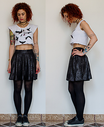 Jiglay P. - Opção Cropped, Urban Outfitters Skirt, Converse All Star - Fly Away