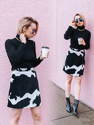 Jessica Luxe -  - Udderly Printed