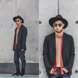 Tommy Lei - Perry Ellis Blazer, Joes Jeans Turtleneck, House Of Holland Sunglasses, Rick Owens Suede Boots - URBAN DANDY