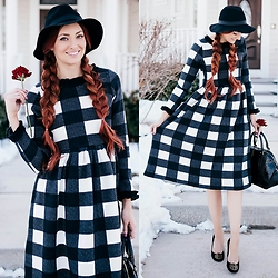 Jackie Welling - Dainty Jewells Gingham Dress - Gingham Sweater Dress