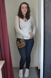 Sarah M - Promod Sweater, Aliexpress Necklace, New Look Bag, Lee Jeans, Nike Sneakers - Denim & White
