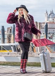 Tijana J.D - Tex Black Hat, Primark Burgundy Faux Fur Coat, Primark Little Black Bag, H&M Black Midi Dress, Tex Tartan Rain Boots, Primark Silver Suitcase - Venice