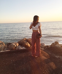 Alessandra Ianniello - Gucci Clutch, Amuse Society Crop Top, Flynn Skye Pants, Dolce Vita Sandals - Beach