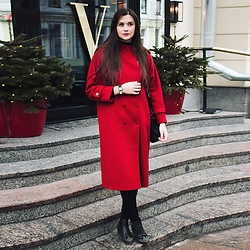 Anya Prosto - Vintage Coat, Furla Bag, New Look Skini, Topshop Boots - Red coat