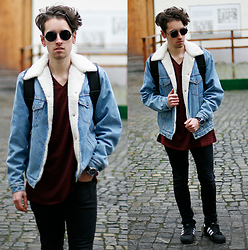 Daro K. - Giant Vintage Sunglasses, Next T Shirt, Levi's® Jeans Jacket - Coming Over