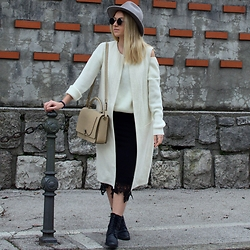 The Blonde Bliss - Carven Bag, More Details On - It was just like a movie