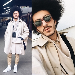 Marco Moura - Zara Sneakers, Pull & Bear Pants, Hugo Costa Shirt, Hugo Costa Sweater, Zara Cape, Aldo Phone Bag, Zara Gloves, Ebay Sunglasses - London #1
