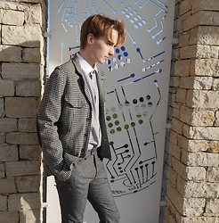 Gaetan O - Paul Smith Jacket, Hugo Boss Shirt, H&M Slim Pants - Street Style