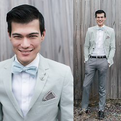 Chris Nicholas - Aristocrats Bows N Ties Mint White Herringbone Cotton Bow Tie, Aristocrats Bows N Ties Gray P Square, Aristocrats Bows N Ties Anchor Tie Bar, Topman Mint Blazer, Uniqlo Trousers, Aldo Double Monks - 181