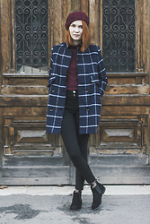 Dominika Cupkova - Sheinside Scalloped Skinny Pants, Blancheport Chelsea Boots, Sheinside Checked Coat, Oasap Beret - Checked