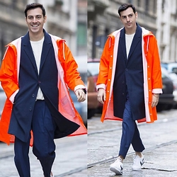 Roberto De Rosa (instagram : robertoderosa) - Rainsjournal Raining Coat, Sisley Coat, Nike Sneakers, Tailored Trousers - Raining Man