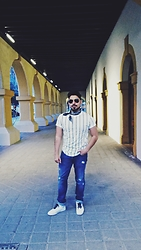 Pepe Vela - Ray Ban Sunglasses, Local Bandana, Pull & Bear Stripes Shirt, Gap Jeans, Bershka Shoes - Bandana