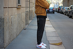 Will Willo - Vintage Bomber Suede, H&M Pleated Pants, Nike Cortez - CAMEL BOMBER VINTAGE