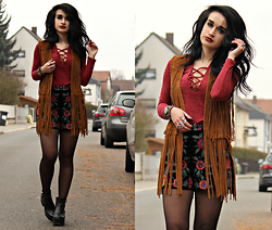 Tessa Diamondly - Romwe Lace Up Sweater, Zara Fringe Vest, Zara Embroidered Floral Velvet Shorts - Burn out the day, Burn out the night.