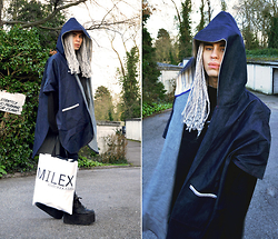 Milex X - Faubourg54 Cape, Snupped Bag - LITTLE BLUE RIDING HOOD