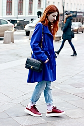 Maria Chamourlidou - Oasis Blue Coat, Chanel Timeless Bag, Zara Blue Jeans, Alexander Mcqueen Sneakers - Flappy