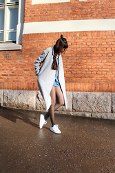 Paz Halabi Rodriguez - Shein Grey Coat, Zara Short Denim Jumpsuit, Adidas Stan Smith Sneakers - JUST BE YOURSELF
