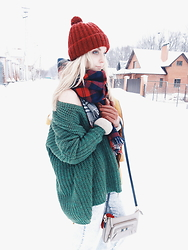 Violetta Privalova - Sheinside Sweater, Cndirect Scarf, Asos Hat, Ri2k Bag - Рerfect sweater//