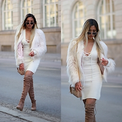 Louise Xin - Forevermodo White Lace Up Knitted Dress, River Island Nude Crossbody Bag, Ego Nude Over The Knee Boots, Quay Steel Cat - All about white and nude