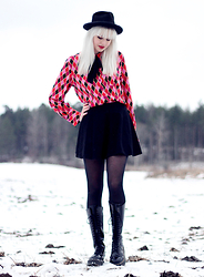Sotzie Q - Beyond Retro Harlequin Blouse, Black Circle Skirt, Dr. Martens Black Jadon Boots - Harlequin winters