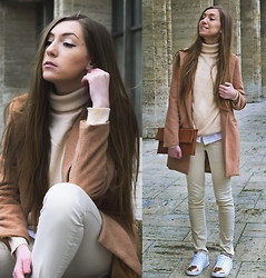 Andreea Miclăuş - Romwe Camel Coat, Asos Turtleneck, C&A White Shirt, Bonprix White Sneakers - \\pale. peach. copper