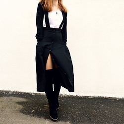 Jana J. - Monki Midiskirt, New Look White Shirt, Tamaris Black Velvet Knee High Boots - Perfect Match