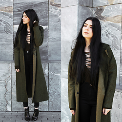 CLAUDIA Holynights - Sheinside Coat, Celeblook Lace Up Olive Sweater - Olive green and black