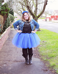 Kitty Wood - Tutu Factory Grace Kelly, Tutu Factoru Flower Crown, Simplybe Chop To Crop Top, New Look Denim Jacket - Tutu Blue