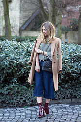 Irina Tschatchina - Zara Coat, Chanel Bag, Zara Culotte, Zara Boots, Shirt Promod - PROMOD STRIPED SHIRT AND ZARA