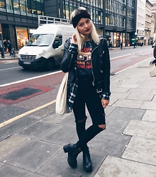 Dominique Malinowska - The Kooples Leather Jacket, Topshop Joni Jeans, Pull & Bear Headband, H&M Boots, Vintage T Shirt - HOLBORN