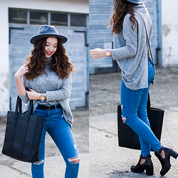 Gabriela Grębska - Reserved Hat, Medicine Open Back Turtleneck Sweater, Medicine Shopper Bag, Topshop Jeans, Zara Boots, Hypergrand Watch - Open back turtleneck sweater