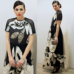 Irene's Closet - Antonio Marras Gown, Parfois Clutch - Black tie event